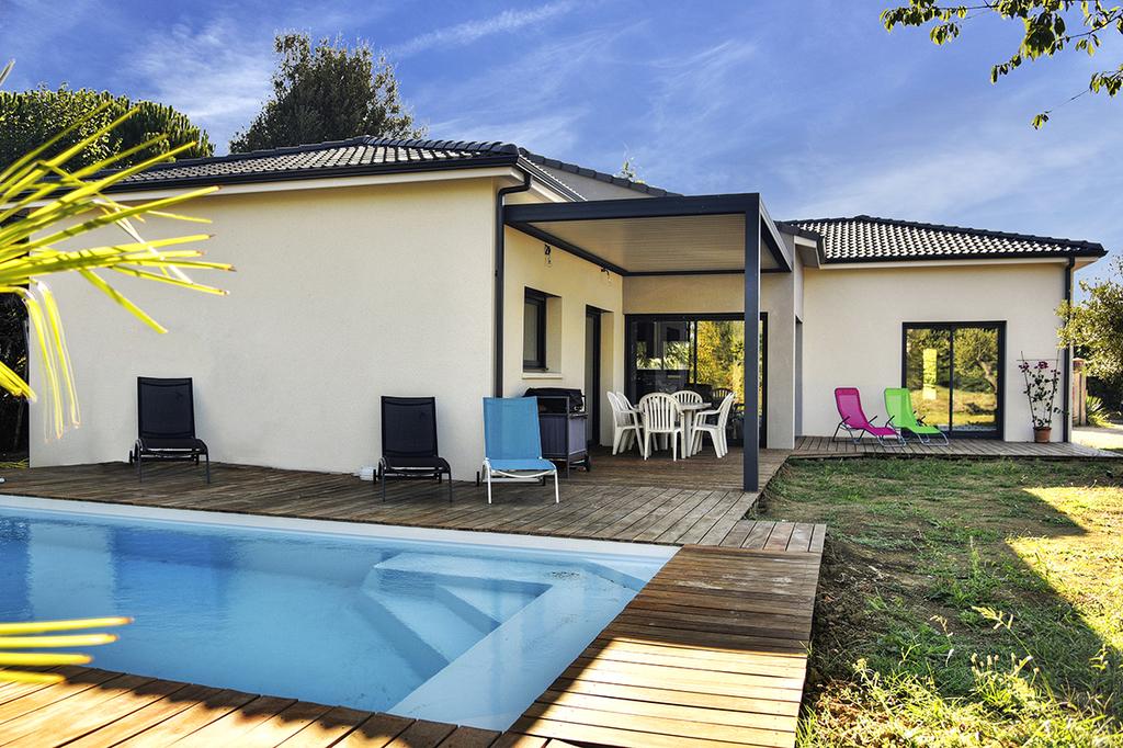 maison france confort perpignan modle de maison toit plat maisons france confort with maison. Black Bedroom Furniture Sets. Home Design Ideas